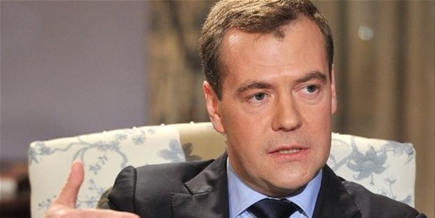Medvedev yaptırım talimatını imzaladı
