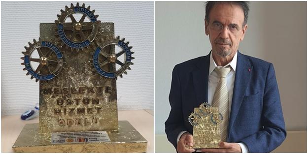 Mehmet Ceyhan'a Mason uzantısı Rotary'den 'Üstün Hizmet' ödülü! Gururla paylaştı
