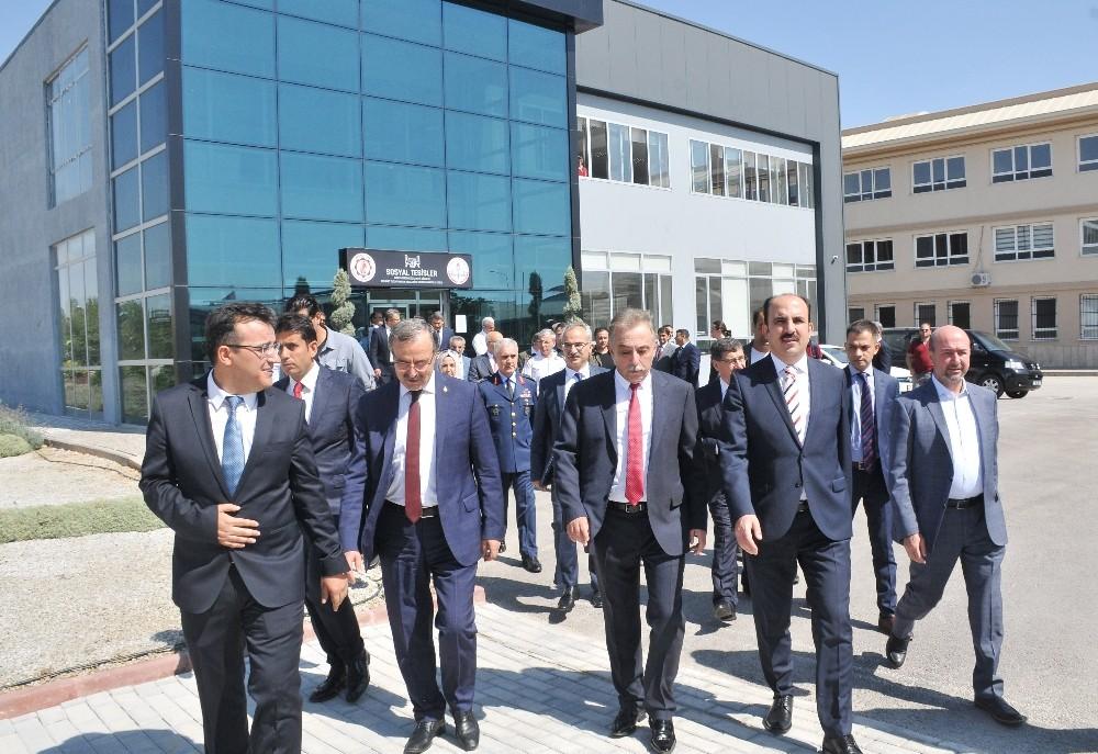 Mehmet Tuza Pakpen Mesleki Ve Teknik Anadolu Lisesinde