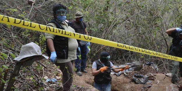 Meksika'da kan donduran olay! Kıyafetleri ve eşyalarıyla birlikte...
