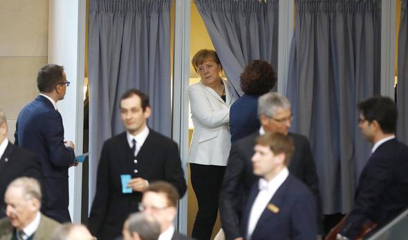 Merkel 4'üncü kez Başbakan seçildi
