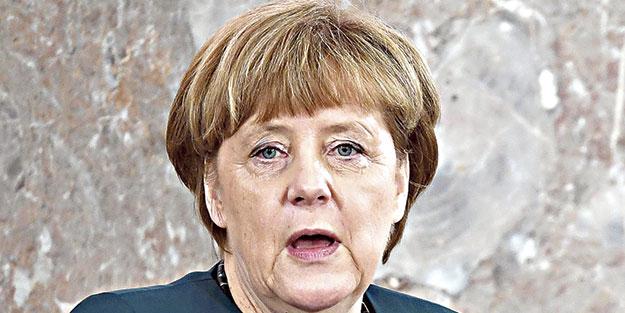 Merkel'den övgü