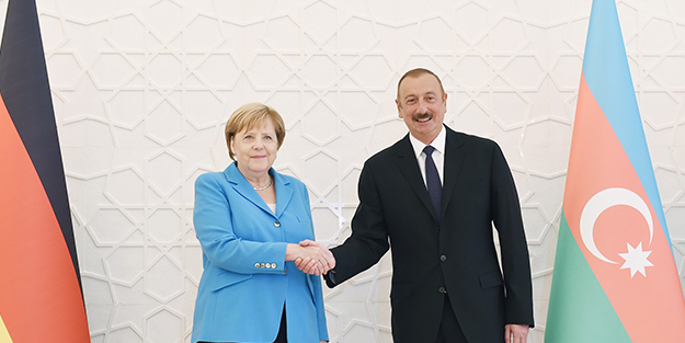 Merkel'in son durağı Azerbaycan!