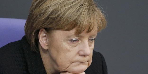 Merkel'in tahtı sallanıyor!
