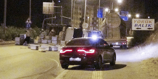 Mersin-Antalya D-400 kara yolunda panik dolu anlar! İtfaiye ekibi de dahil kimse yaklaşamadı