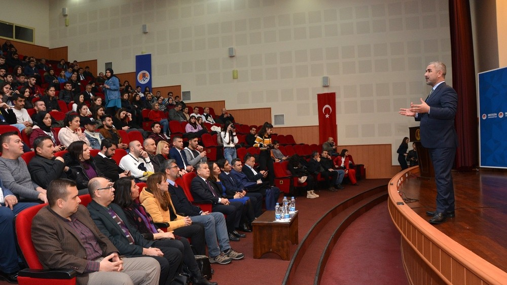 Mersin Üniversitesinde 'Medyada Haber Güven ve İlişkisi' söyleşisi