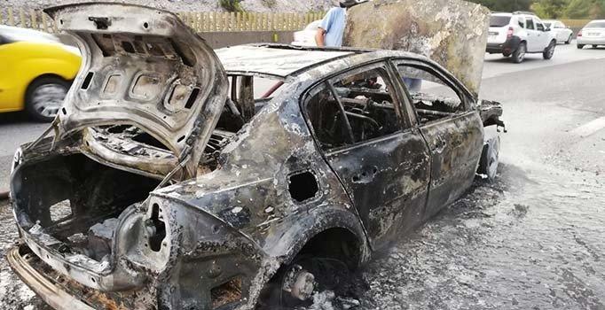 Mersin'de bir saat önce aldığı otomobil küle döndü