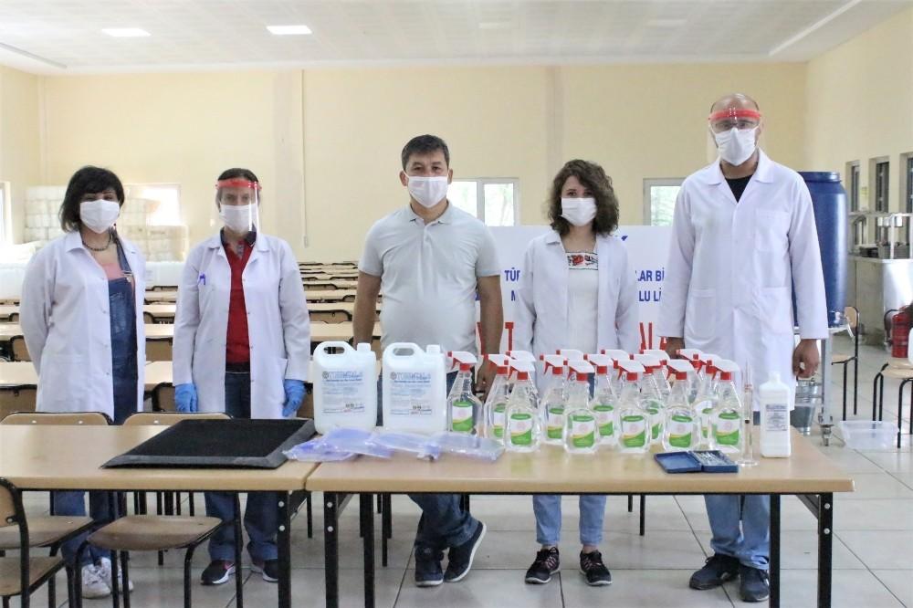 Meslek lisesi öğretmenleri LGS için seri 'dezenfektan' üretimine başladı