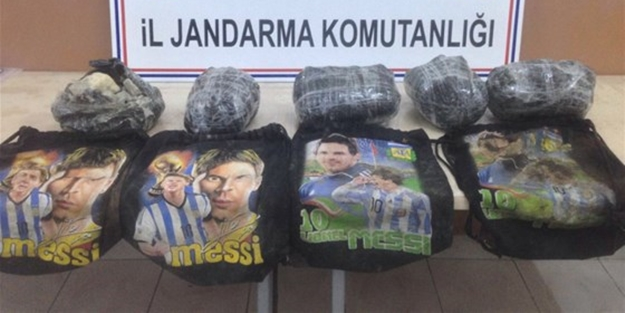 Messi'li çanta'da bomba taşıdılar