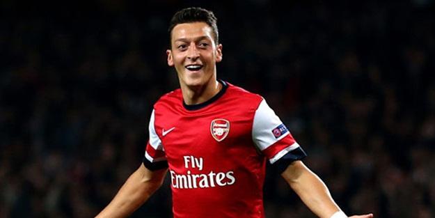 Mesut Özil 200. maçında galibiyeti getirdi!