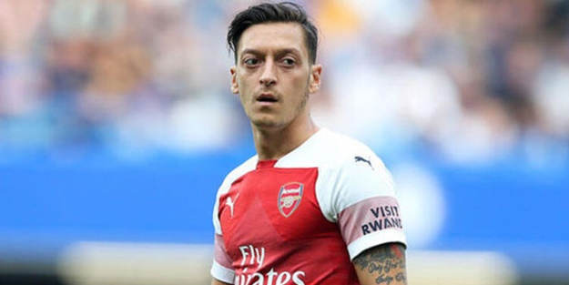 Mesut Özil'den Arsenal'in kararına tepki: Bu mesajı yazmak zor