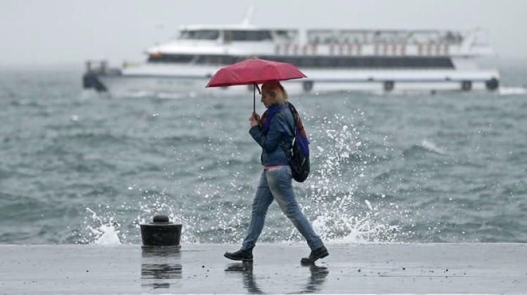 Meteoroloji saat verdi! İstanbul'da sağanak yağmur