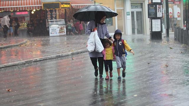 Meteoroloji'den son dakika yağmur uyarısı: Öğle saatlerine dikkat