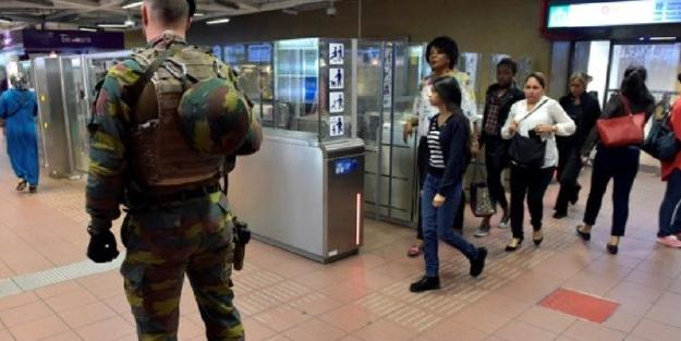 Metro istasyonlarında Askerler ortaya çıktı