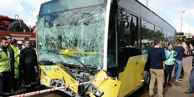 Metrobüs şoförüne vurmak için şemsiye istedi