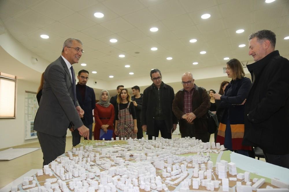 MEÜ öğrencileri, ödev olarak Mezitli Kent Meydanı Projesi hazırladı