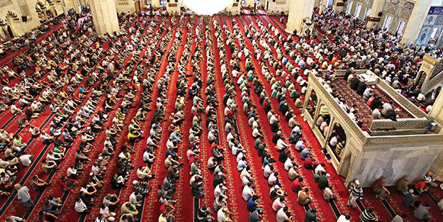 Mevlid Kandili'nde camiler doldu taştı, eller semaya açıldı! İnsanlığa en güzel örnek Hz. Muhammed (SAV)