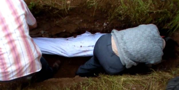 Mezar kazıcısı gencin başından geçen tüyler ürperten olay
