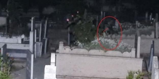 Mezarlıkta ağlayan kız bulundu! Bakın kimmiş