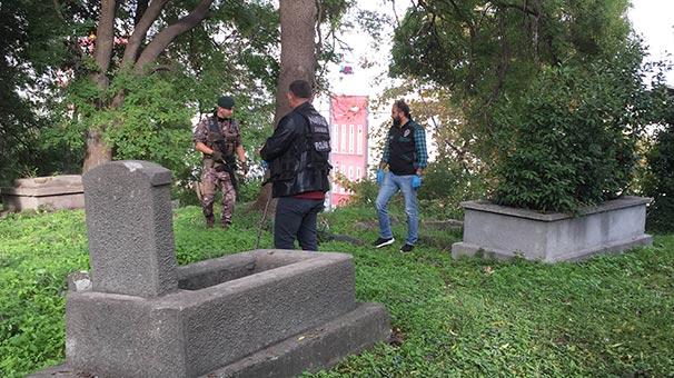 Mezarlıkta uyuşturucu operasyonu: 4 kişi gözaltına alındı