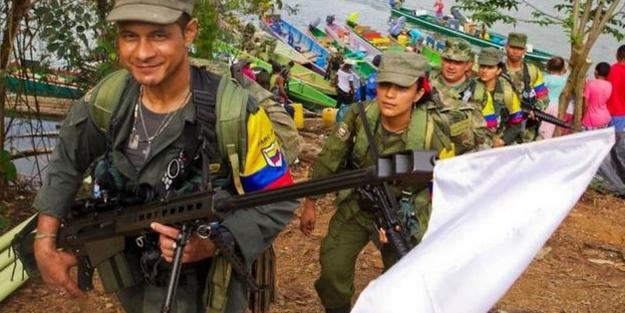 Militanlar o alanlara ulaştı.. silahlarına beyaz bayrak taktılar...