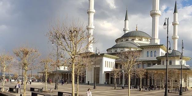 Millet Camisinde cuma namazı kılınacak mı son dakika