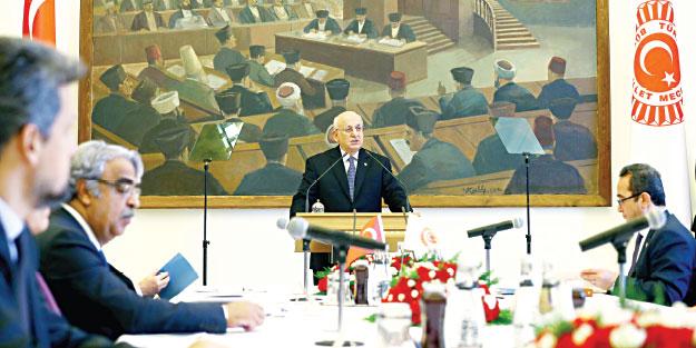 Millet yeni anayasa bekliyor