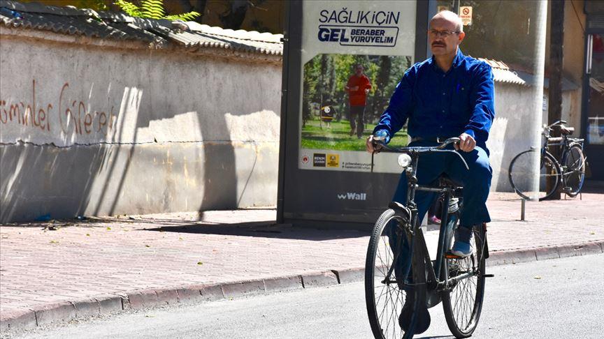 Milletvekili Sorgun 54 yıldır bisiklet kullanıyor