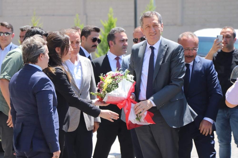 Milli Eğitim Bakanı Selçuk, Siirt'te