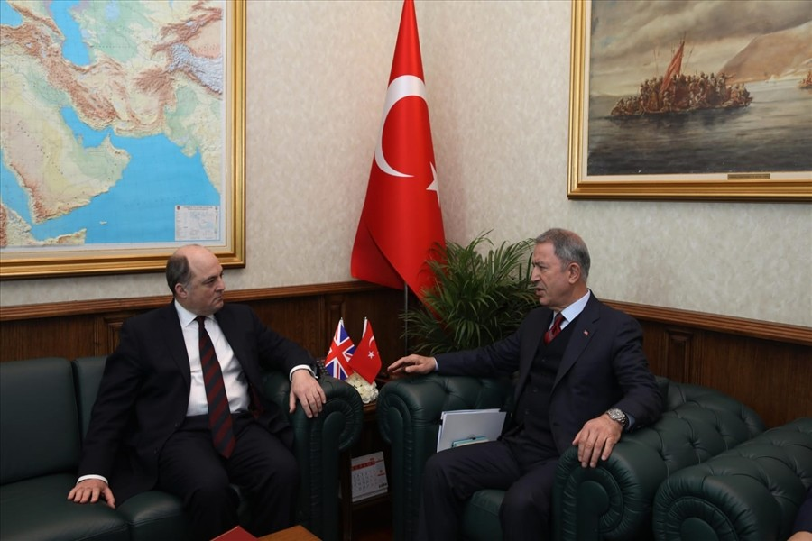 Milli Savunma Bakanı Akar İngiliz mevkidaşı ile görüştü