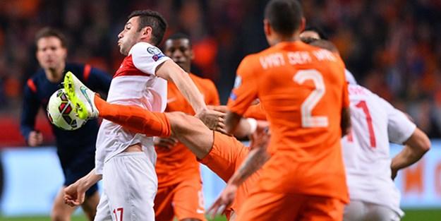 Hollanda'yı uzatmalarda elimizden kaçırdık!