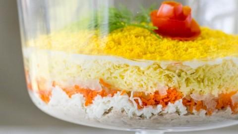 Mimoza salatası nasıl yapılır? Mimoza salatası malzemeleri ve tarifi