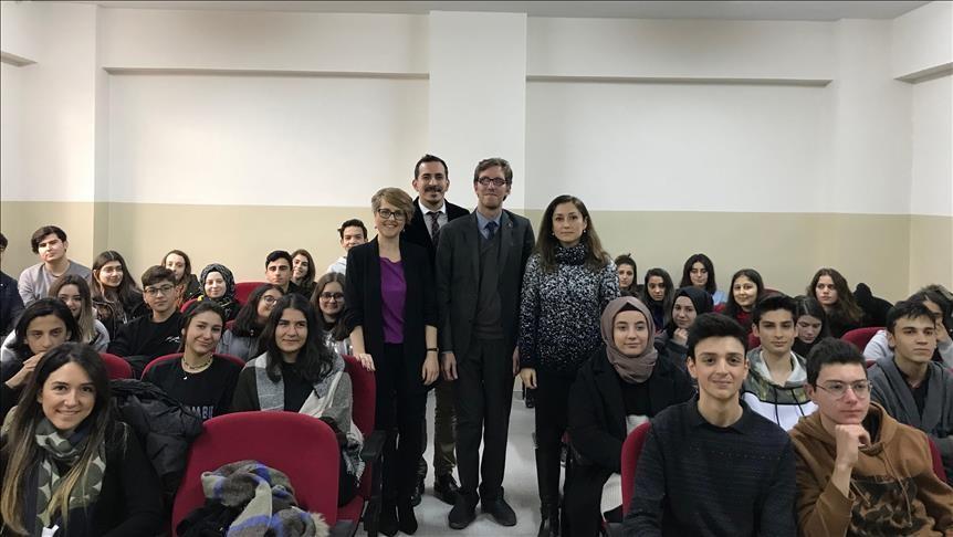 Mitsubishi Electric öğrencilerle seminerde bir araya geldi
