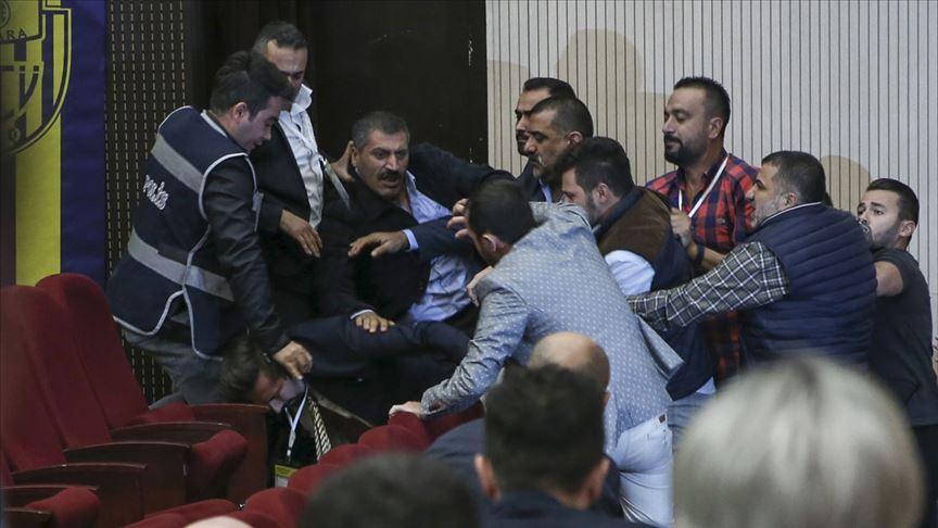 MKE Ankaragücü genel kurulunda kavga