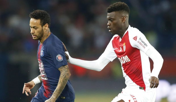 Monaco - PSG maçı ertelendi!