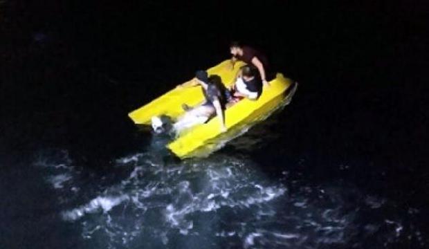Muğla'da su alan teknede korkulu anlar yaşayan kaçak göçmenler kurtarıldı