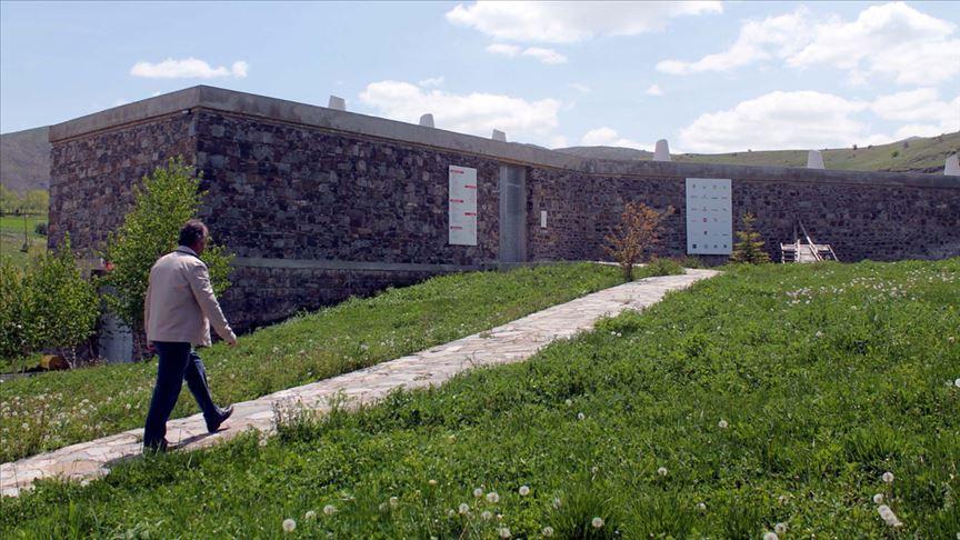 Muhtar dünyaca ünlü Baksı Müzesi'ne gözü gibi bakıyor