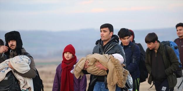 Mülteciler sınır kapılarına akın etti