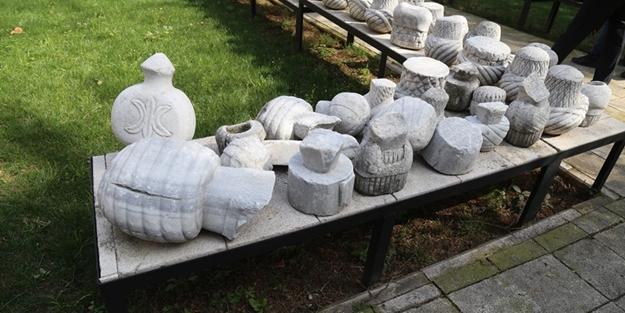 Muradiye Külliyesi Osmanlı Mezar Taşları Sergi Alanı