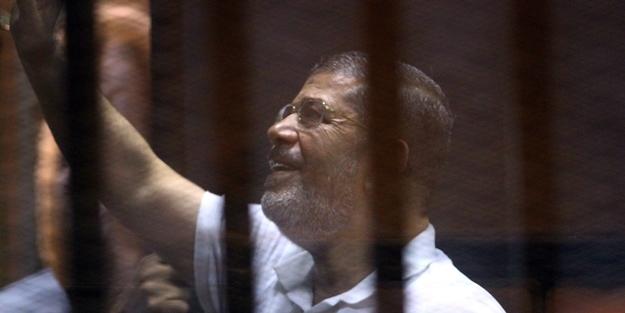 Mursi'ye 'Sayın Cumhurbaşkanı' dedi, işinden oldu