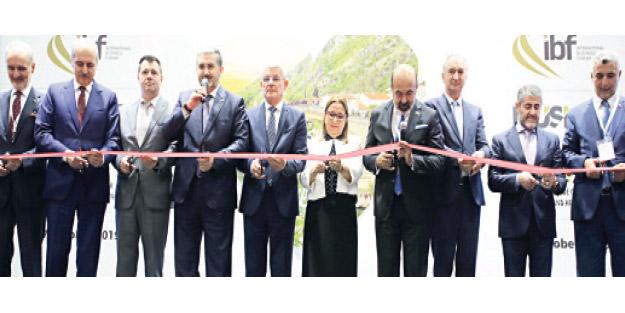 MÜSİAD, dünyanın dört bir yanından bin işadamını Bosna Hersek'te buluşturdu