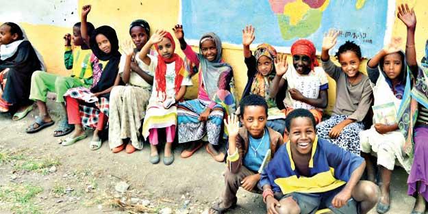 Müslüman çocuklar misyoner kıskacında