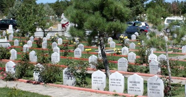 Müslüman mezarlığında müslüman yok!