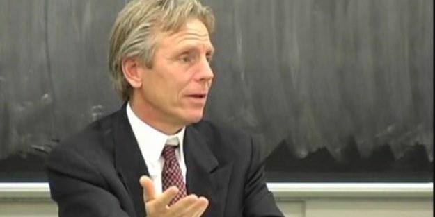 Müslüman olan ABD'li profesör, ilk namazını anlattı