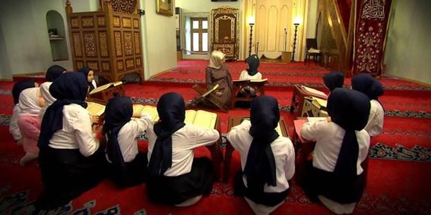 Müslümanın anayasası Kur'an'dır!