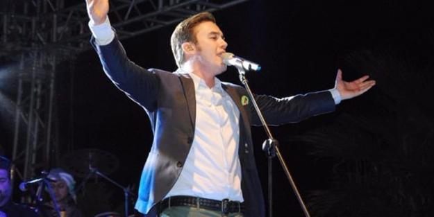 Mustafa Ceceli Eyüplü gençler için geliyor