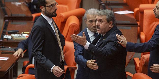 Mustafa Destici TBMM'de yaşananları Akit TV'ye anlattı: Beni Meclis'ten çıkarmak istediler