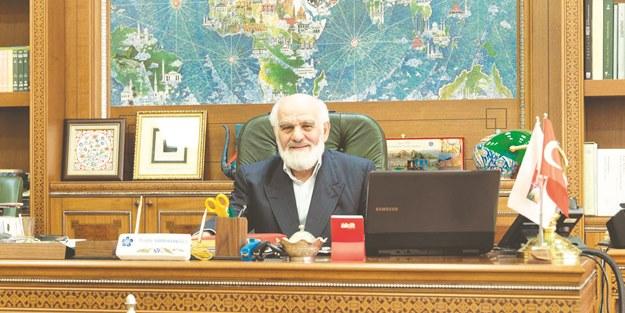 Mustafa Karahasanoğlu: 28 Şubat'tan alnımızın akıyla çıktık