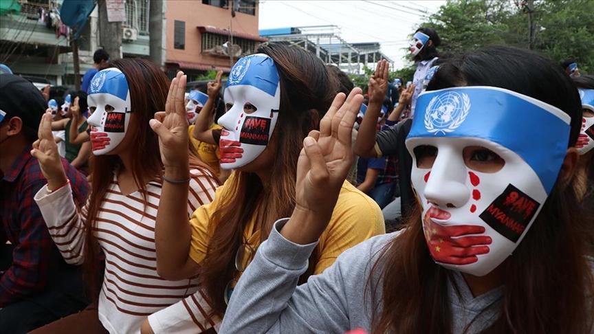 Myanmar'da ordunun silahlı müdahalesi sonucu ölen sivillerin sayısı 780'e çıktı