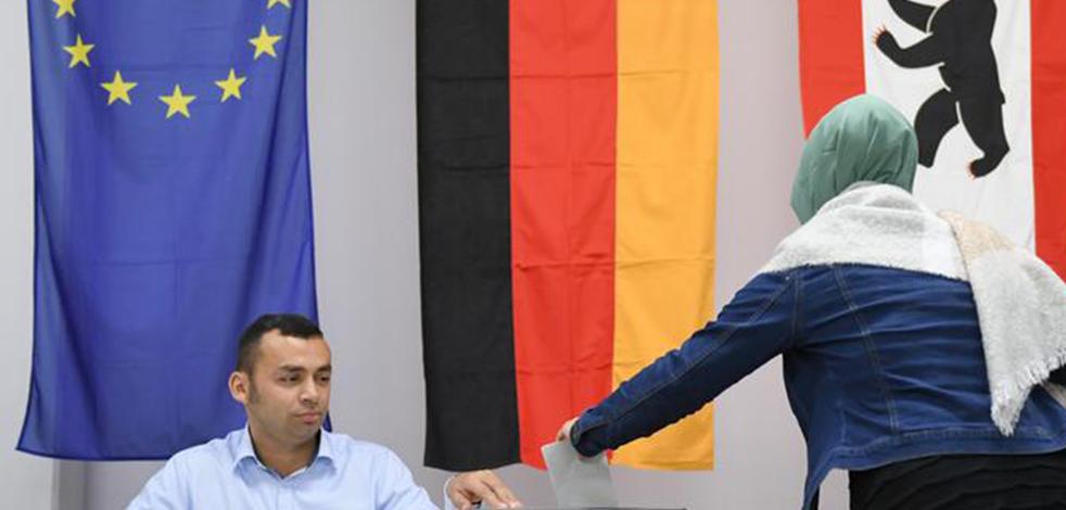 Undankbares Deutschland! Göçmenler ülkeyi ihya ediyorlar ama sürekli hor görülüyorlar!